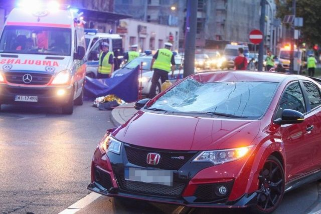 Potr�cenie na pasach Honda Civic Warszawa