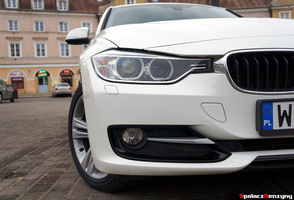 Przedni reflektor BMW 316i 2013