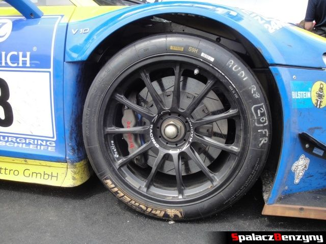 Przednie koło Audi R8 LMS na Worthersee 2013