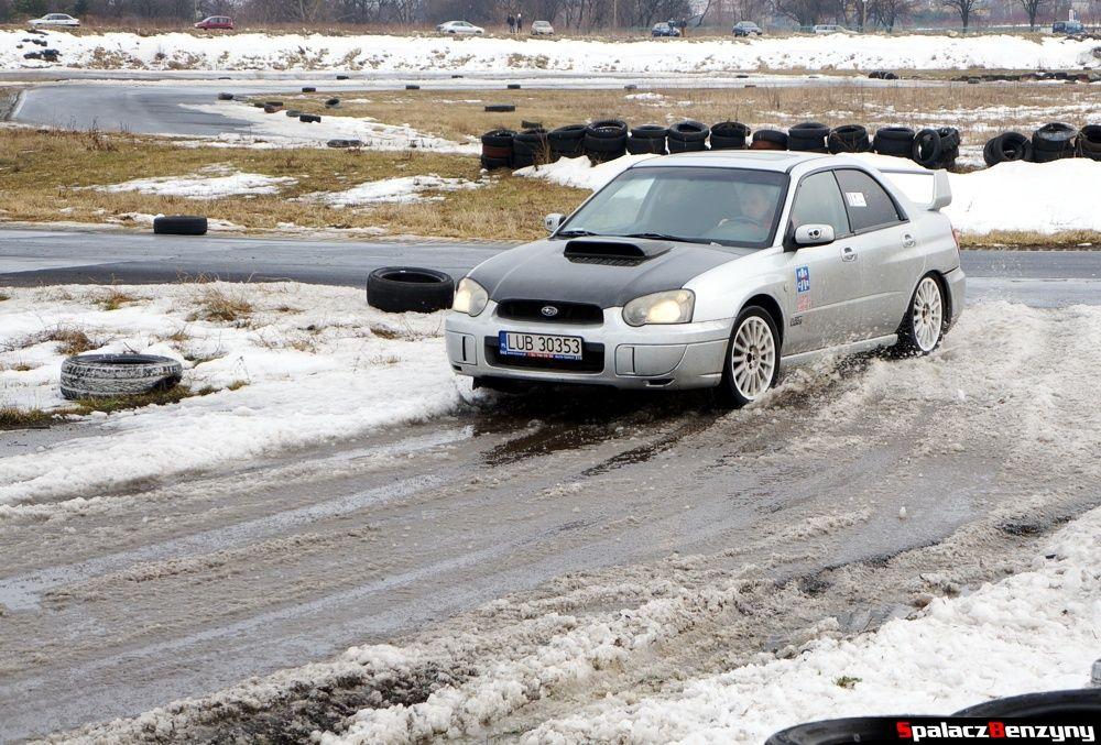 Przejazd Subaru Impreza WRX na śniegu na Rally Sprint 9 luty 2014
