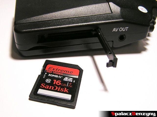 Rejestrator trasy HD CAR DVR 720p HDMI i karta SanDisk SDHC 16 GB