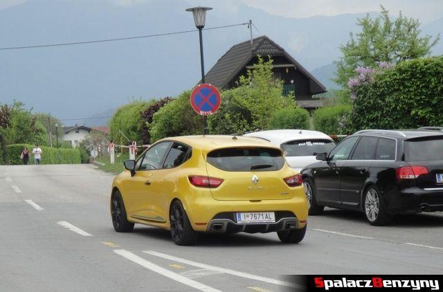 Renault Clio sport żółty na Worthersee 2013