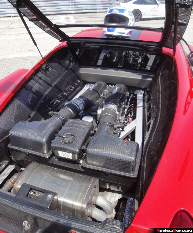 Silnik bez pokrywy Ferrari 430 Scuderia na Gran Turismo Polonia 2013
