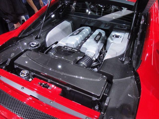 Silnik V10 FSI Audi R8 na targach Frankfurt 2011