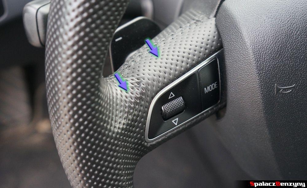Stan skóry na kierownicy w Audi A4 B8