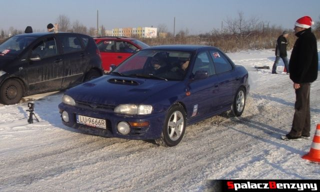 Subaru Impreza granatowa na RS WOŚP na Torze w Lublinie 2013