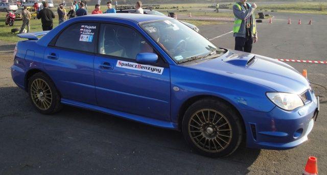 Subaru Impreza niebieska SBR