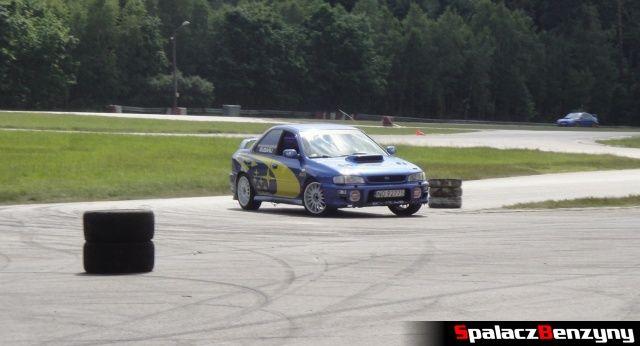 Subaru Impreza podczas treningu na Torze Kielce 7 czerwiec