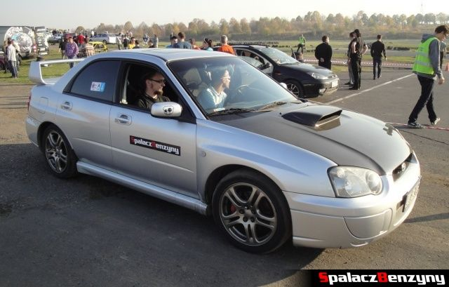 Subaru Impreza srebrna SBRT na Rally Sprint Cemex 2012 w Lublinie
