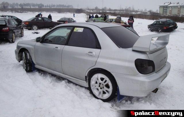 Subaru Impreza WRS STI srebrna na RS Rally na Torze w Lublinie 2013
