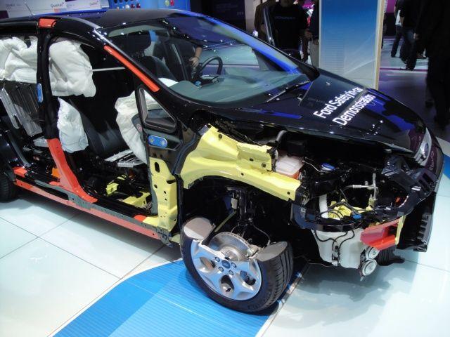 Systemy bezpieczeństwa w Ford Focus na targach Frankfurt 2011
