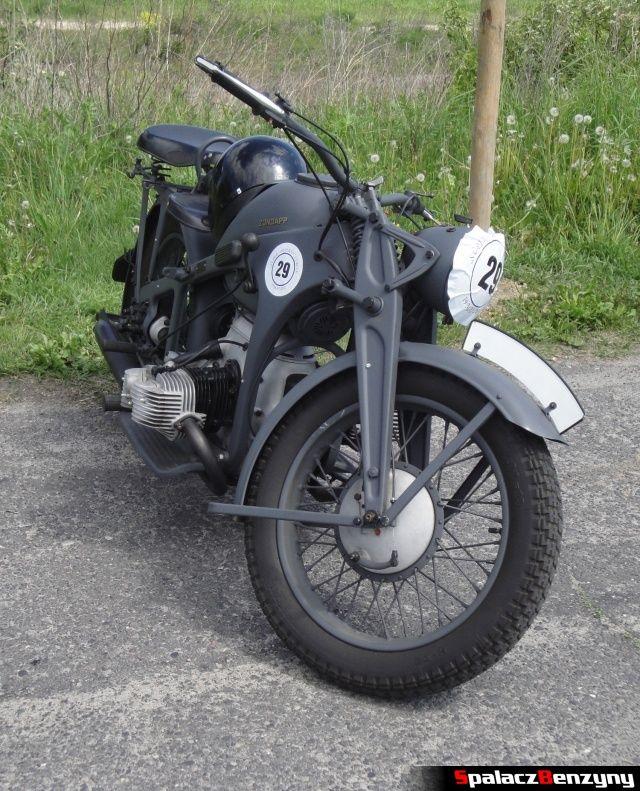 Szary motocykl na Super Veteran 2012 w Lublinie