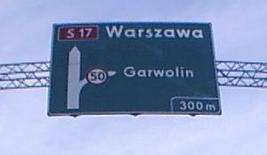 Tablica nad drogą krajową S17 obwodnicy Garwolina