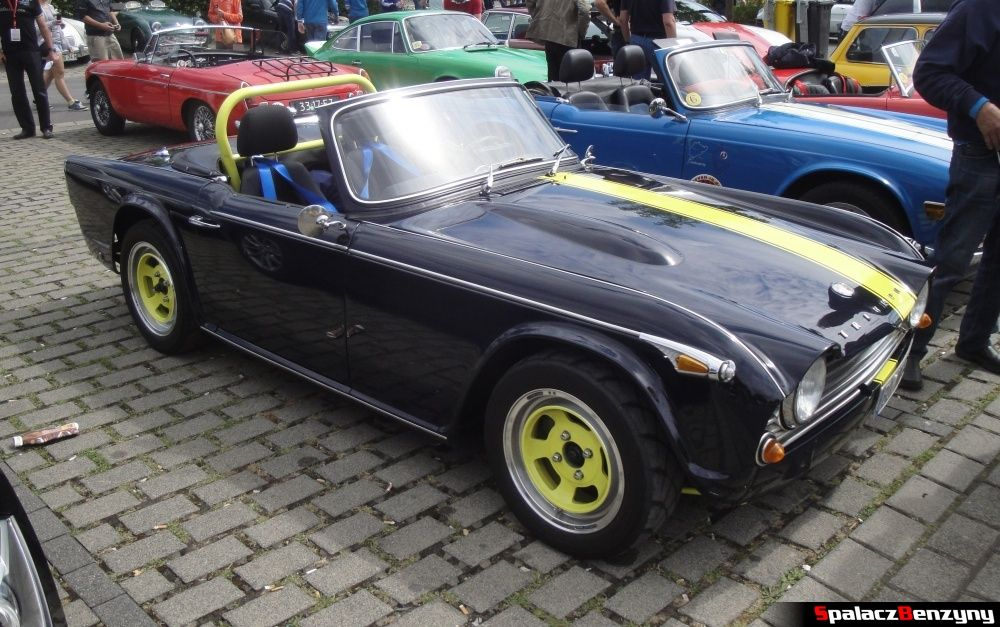 Triumph TR4 A na Nurburgring Nordschleife