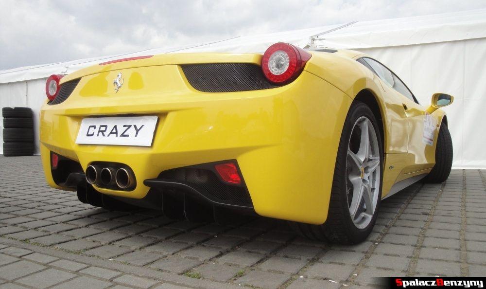 Tył Ferrari 458 Italia żółta na Gran Turismo Polonia 2013