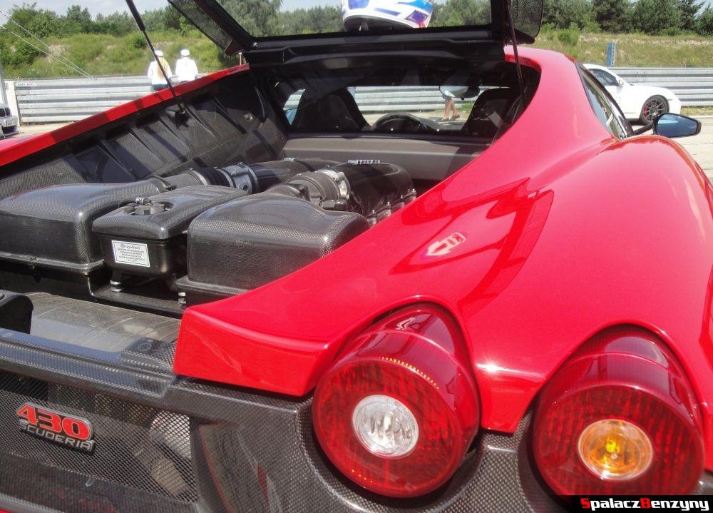 Tylne lampy i silnik Ferrari 430 Scuderia na Gran Turismo Polonia 2013