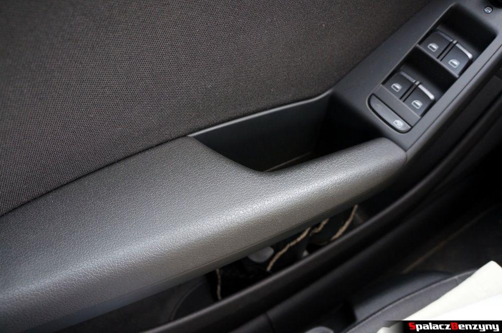 Uchwyt drzwi w Audi A4 B8