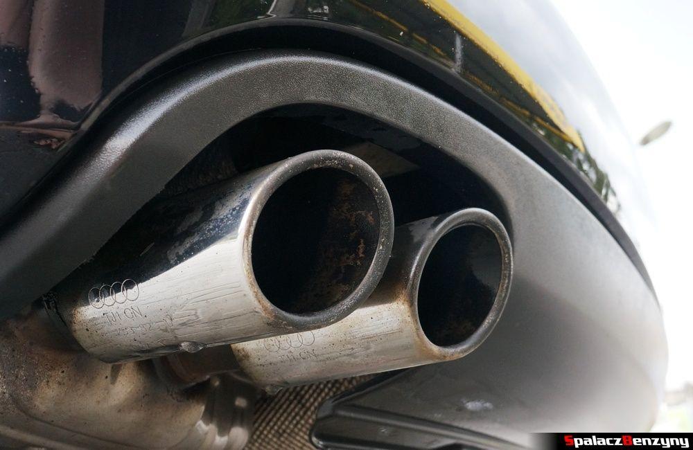 Umyta wodą końcówka wydechu Audi A4