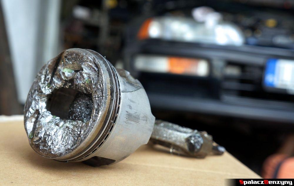Uszkodzony tłok w Honda Civic