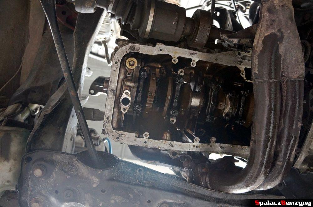 Wał korbowy od spodu w Honda Civic