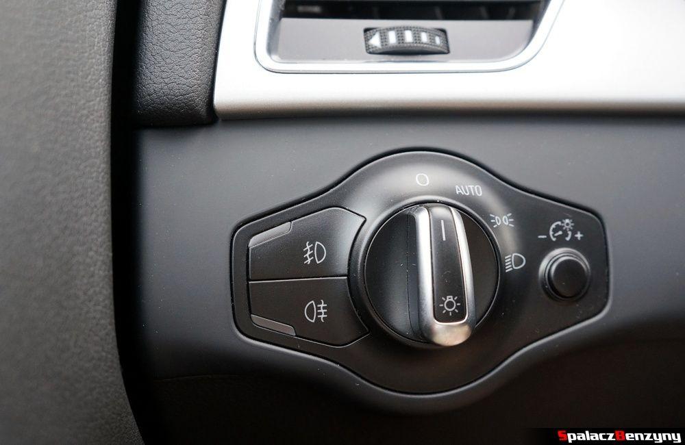 Włącznik świateł w Audi A4 B8