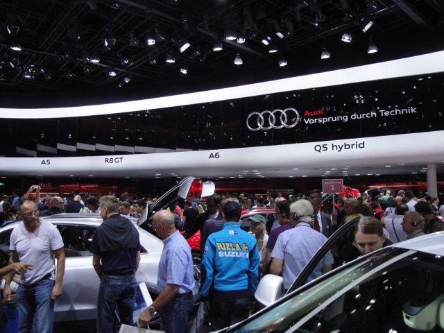 Wnętrze stoiska Audi na targach Frankfurt 2011