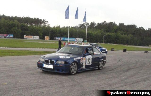 Wyścigowe BMW podczas treningu na Torze Kielce 7 czerwiec
