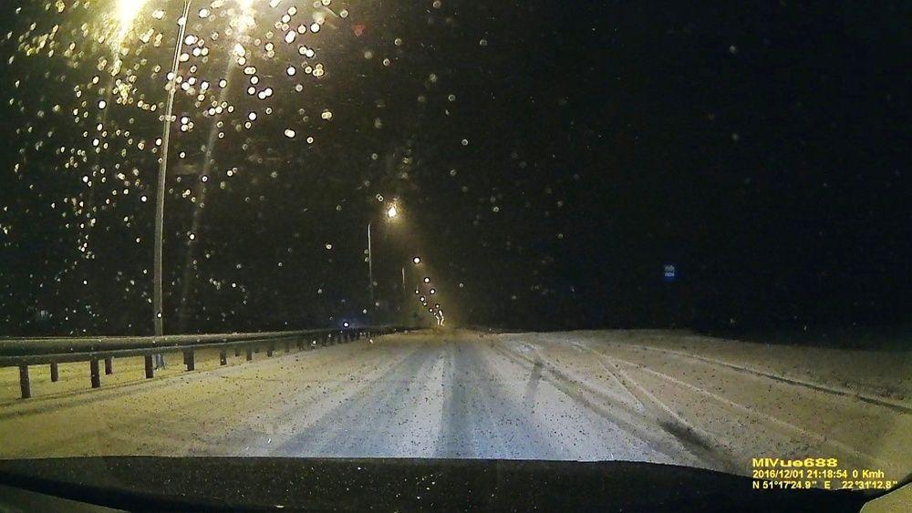 Zaśnieżona droga Lublin