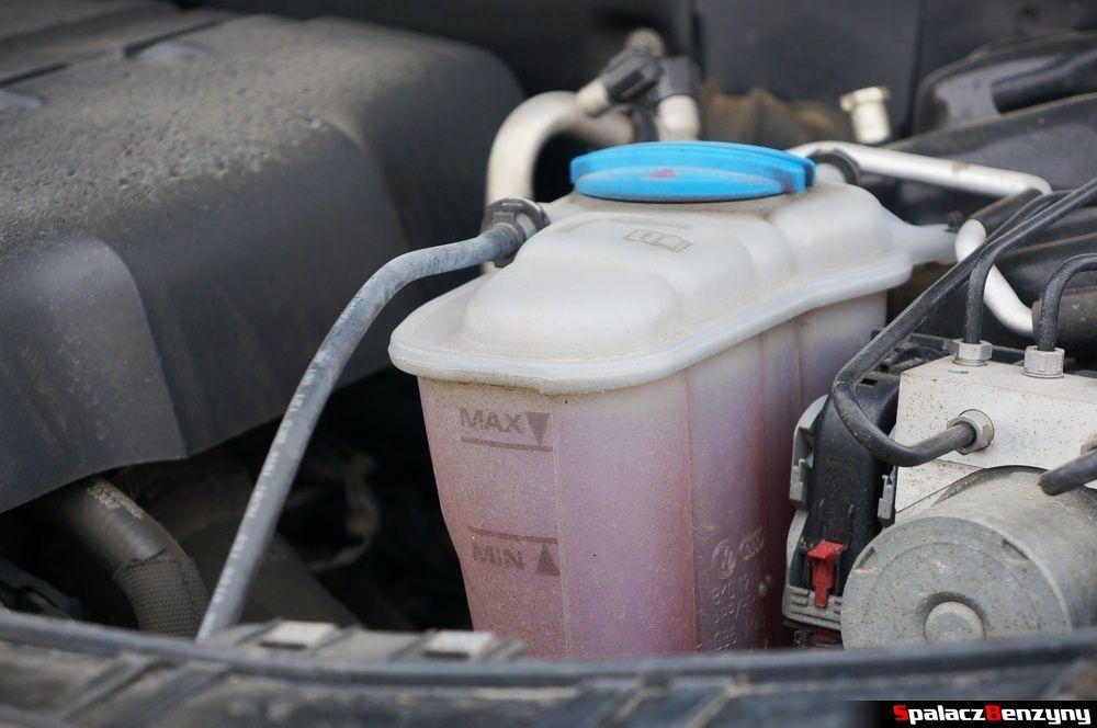 Zbiornik płynu chłodniczego w Audi A4 B8