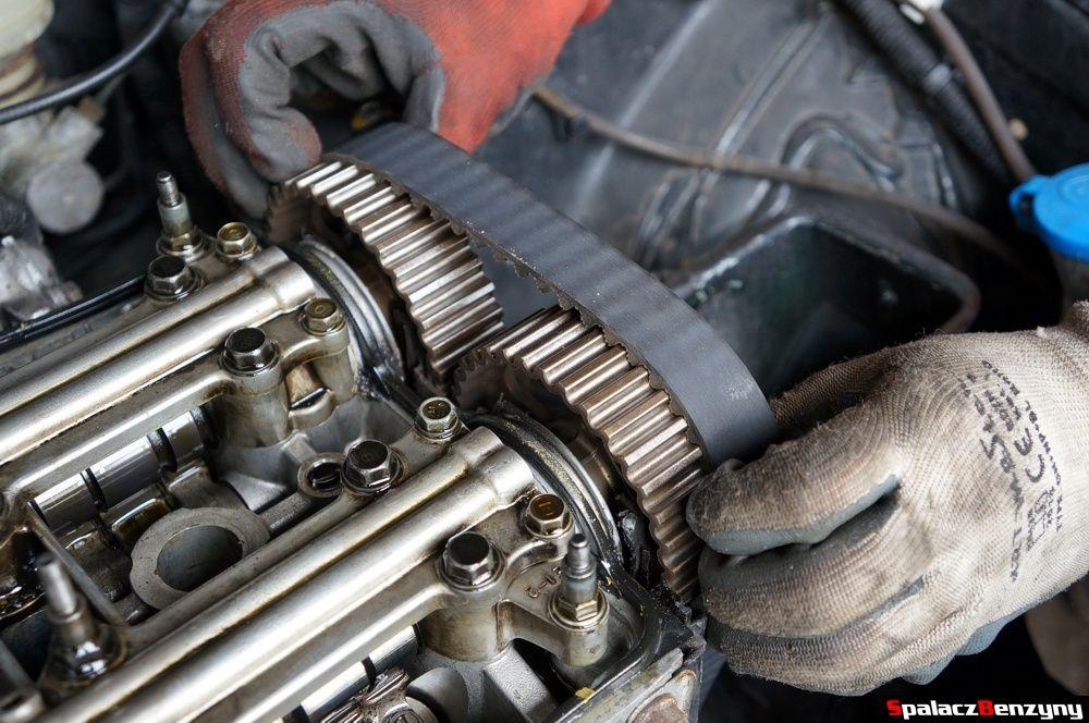 Zdejmowanie paska rozrządu w Honda Civic