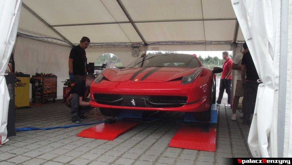 Zmiana opon w Ferrari na Gran Turismo Polonia 2013
