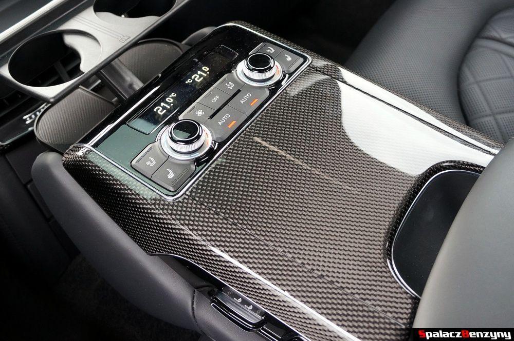 Panel sterowania fotelami w Audi S8 4.0 TFSI 2015