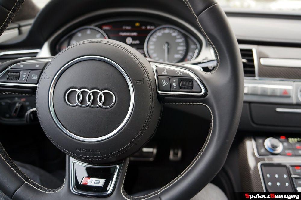 Skórzany klakson w Audi S8 4.0 TFSI 2015