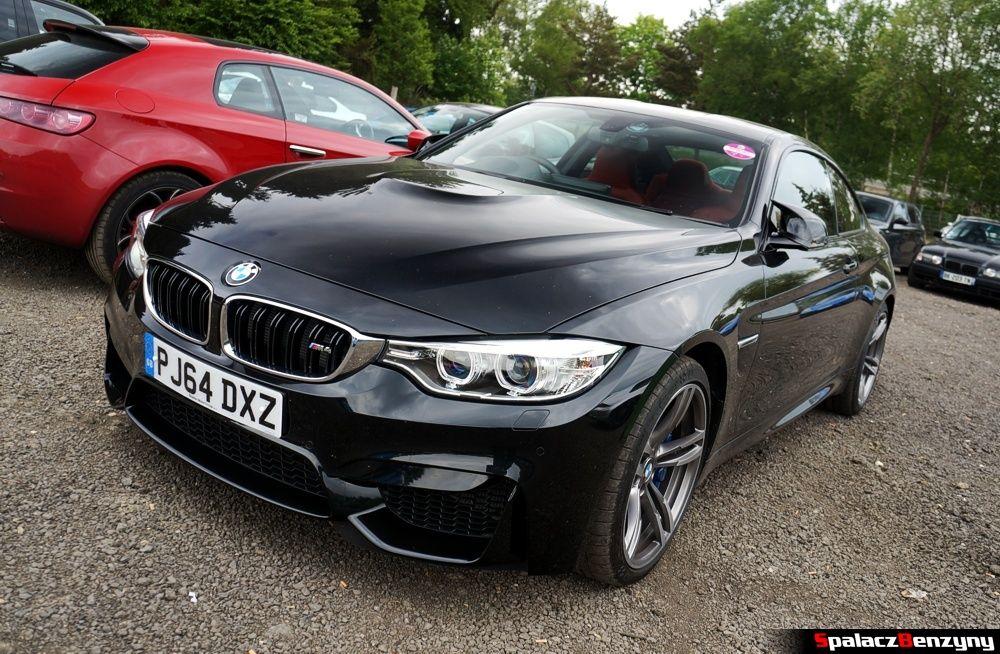 BMW M4 czarne na Nurburgring Nordschleife 2015