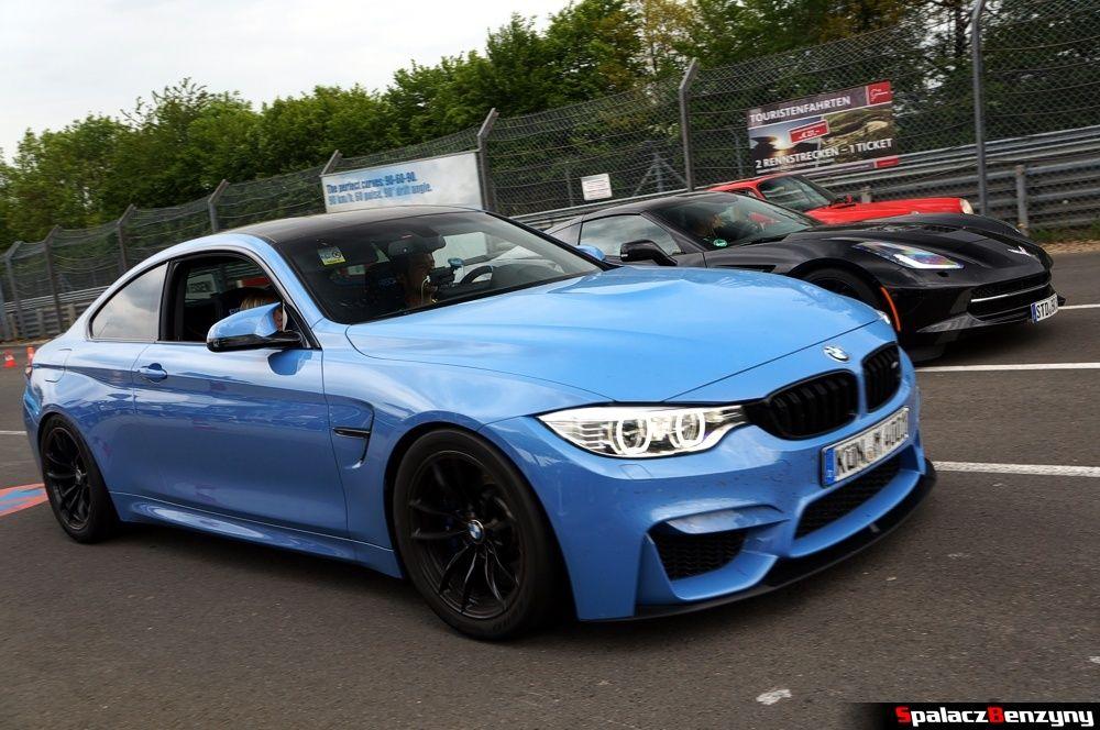 BMW M4 niebieskie na Nurburgring Nordschleife 2015