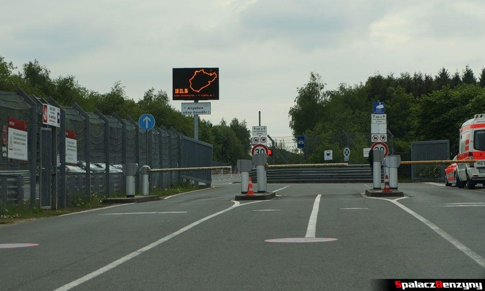 Zamknięty wjazd na Nurburgring Nordschleife 2015