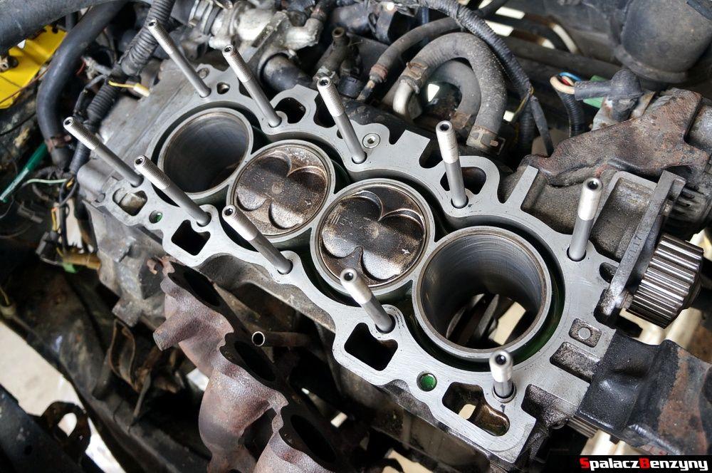 Głowica silnika z tłokami Honda Civic
