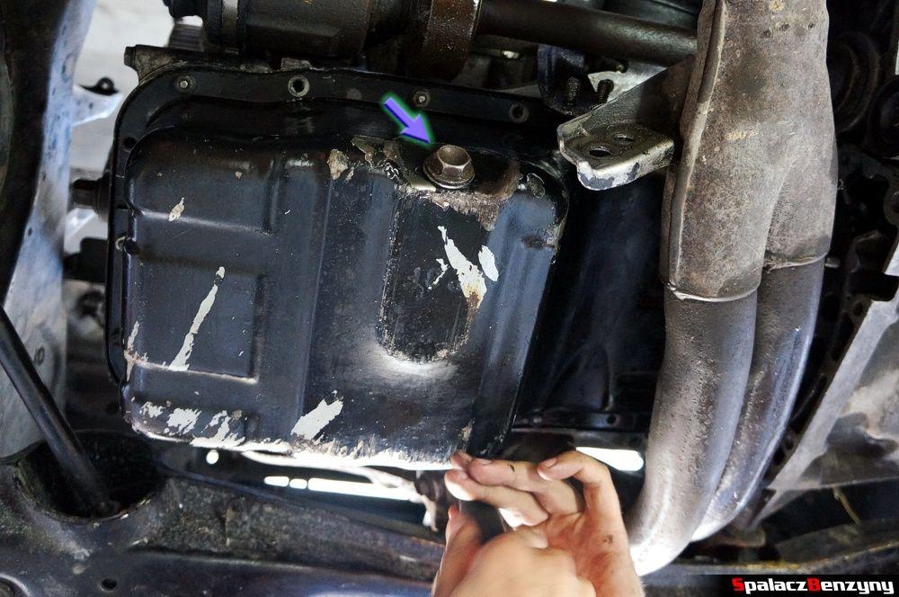 mocowanie miski olejowej  remont silnika Honda Civic